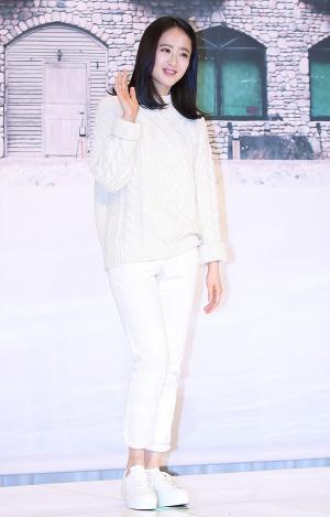 [IS포토] 김민정, 세상 편한 의상입은 달팽이 호텔 '호텔리어'