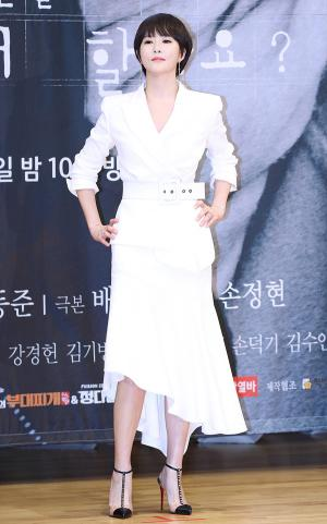 [IS포토] 김선아, 폼~ 빡! 윙크 찡긋 '키스 먼저 할까요~?'