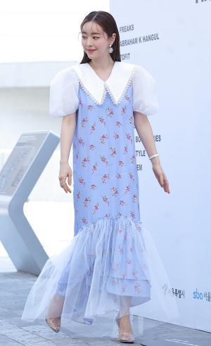 [IS포토|서울패션위크] 홍수아, 사뿐사뿐 '병리 패션쇼'을 향해~