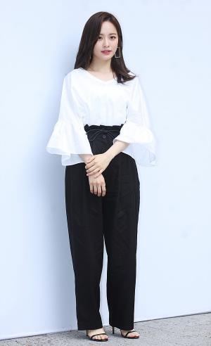 [IS포토] 배윤경, '자취방'의 그녀 '제인송 컬렉션' 나들이