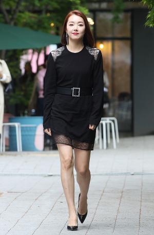 [IS포토] 소이현, '화보 찍듯 분위기 잡고~'