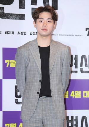 [IS포토] 박정민, 인생 꼬인 '변산 청년'