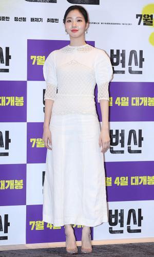 [IS포토] 김고은, 거침없는 입담 '변산 숙녀' 현실선 '단아단아~'