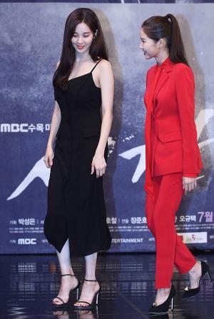[IS포토] 서현-황승언, 화기애애 '시간'의 두 미녀